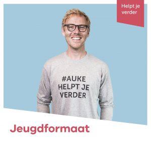 <span>Jeugdformaat</span><i>→</i>